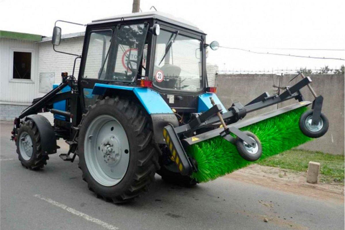 Уборка территории трактором сщеткой (щетка дорожная) - Барнаул, цены, предложения специалистов